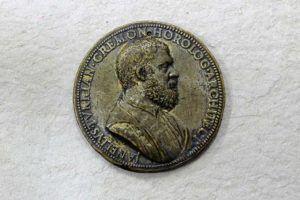 """Medalla de Juanelo Turriano"", Jacometrezo, ca. 1550-1552. Bronce. Museo Civico «Ala Ponzone» (Cremona)."