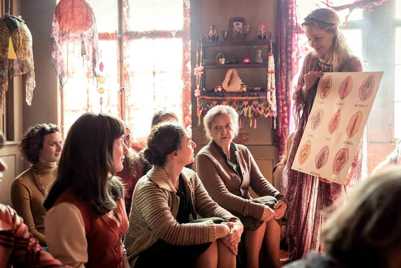 """Fotograma de """"El orden divino"""", película dirigida por Petra Volpe y distribuida por Surtsey Films."""