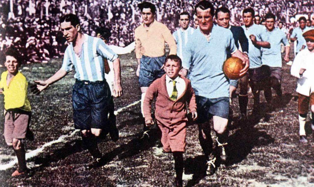 La final del primer Mundial de Fútbol • La Aventura de la Historia