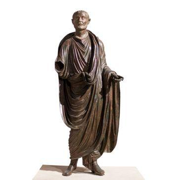 Togado de Periate, escultura romana del siglo I, Museo Arqueológico de Granada.