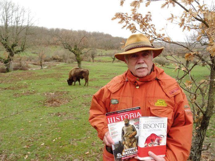 """""""Neandertales y sapiens tienen mucho en común. Eran dos especies confrontadas, pero con plena humanidad e hibridación"""", reflexiona Pérez Henares."""