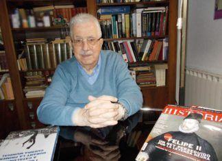 """Josep Fontana en su domicilio durante una entrevista con """"La Aventura de la Historia"""" en 2017."""