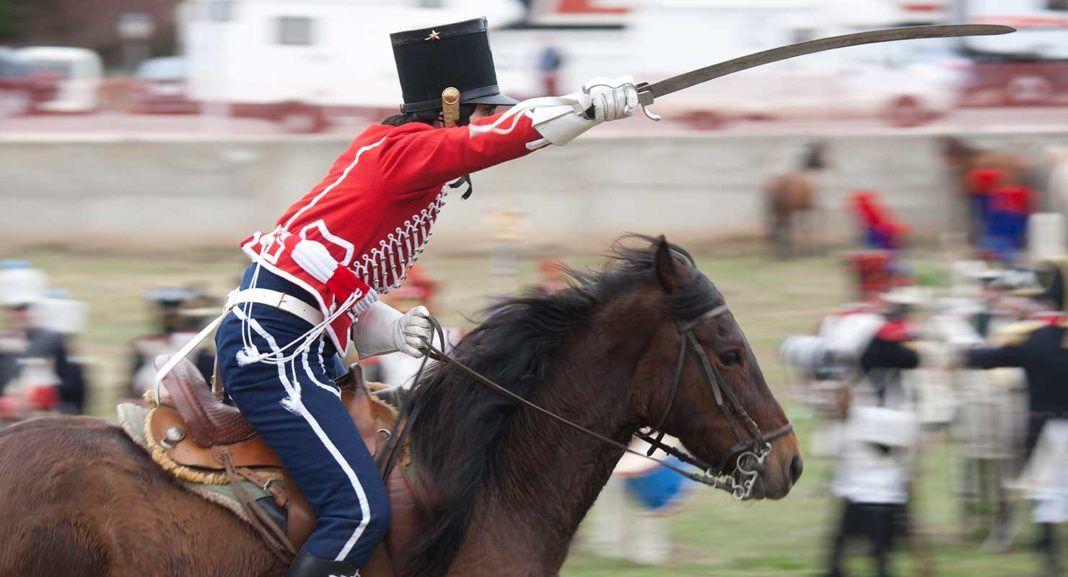 Carga de caballería en una edición anterior del evento