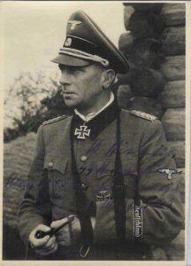 Fotografía del teniente general Wilhelm Bittrich.