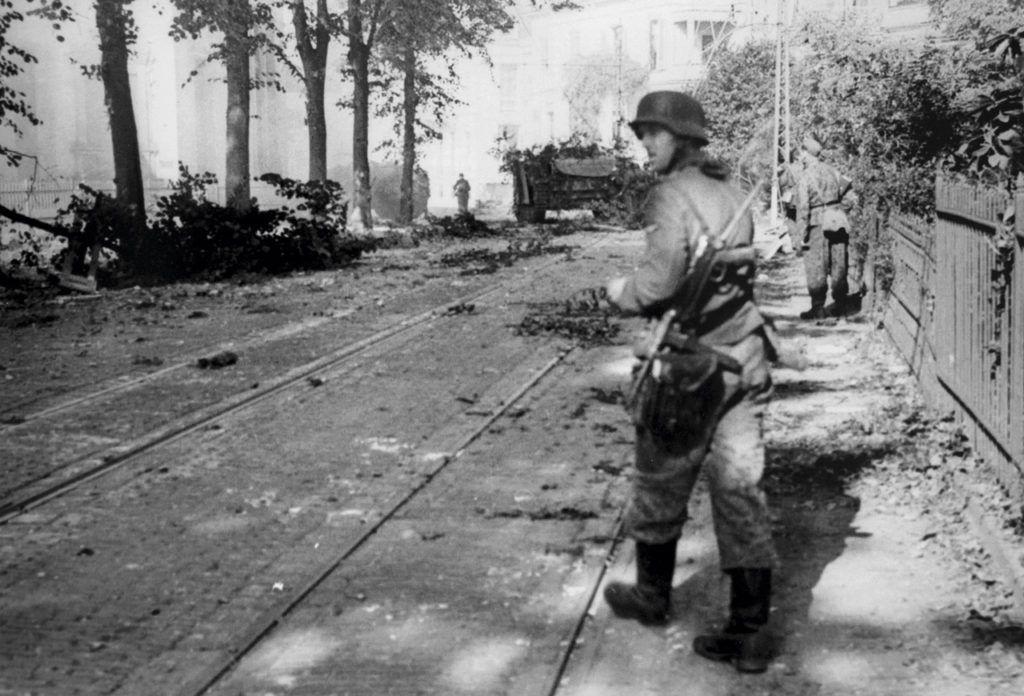 Soldados del II Cuerpo Panzer.