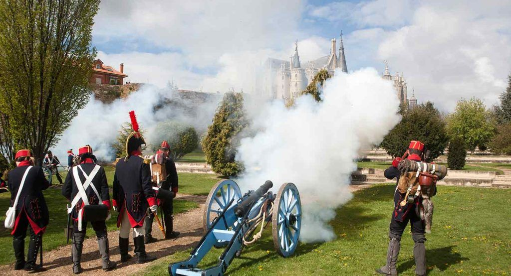"""Los participantes en el evento """"Tres naciones"""" utilizarán decenas de caballos, diez cañones y armas."""