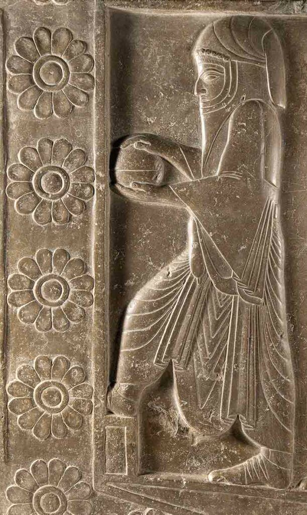 """""""Relieve"""", piedra, período aqueménida, 559-331 a.C., Persepolis, Fars. Una de las piezas destacadas de la exposición """"Irán, cuna de civilizaciones"""", que el MARQ de Alicante acoge sobre la historia y el arte de Irán."""