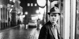 John Le Carré, maestro de las novela de espionaje, fotografiado en Londres en la década de 1960.