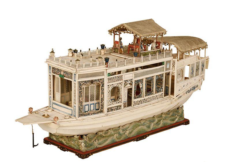 """Barco Floral"", mediados del siglo XVIII, China, marfil, madera, hueso y pigmentos, 46 x 94,5 x 28,5 cm."