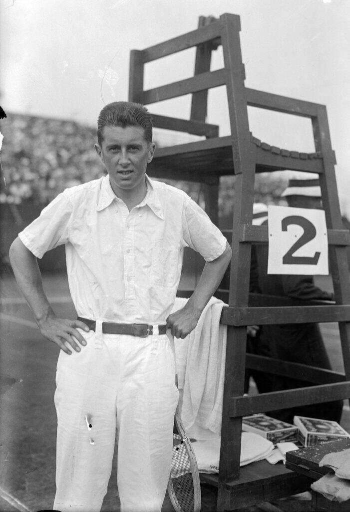 Norris Williams en su partido contra William M. Johnston en el Campeonato Nacional de EE UU (1916).