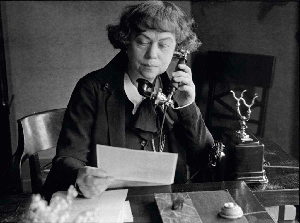 Alexandra Kollontai (1872-1952), artífice de grandes reformas para las rusas, fue la primera en ocupar un puesto en un Gobierno.