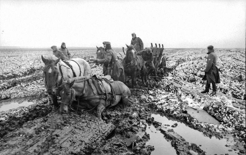 Ejército alemán detenido por el lodo sin fin en la primavera de 1942 en el Frente Oriental.